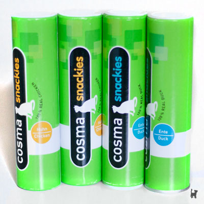 Cosma Snackies für Katzen in Papprollen-Verpackung
