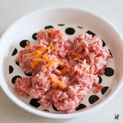 Rohfleischmahlzeit mit Felini Complete