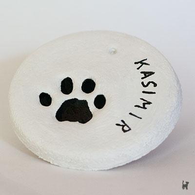 Pfotenabdruck von Kater Kasimir in Salzteig