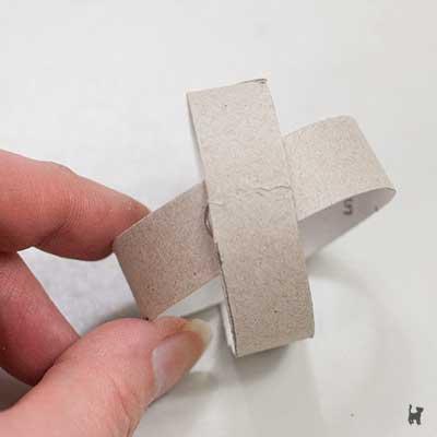 Zusammenkleben der Toilettenpapierringe