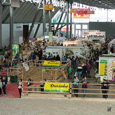 Einblick in die Messehalle der Animal Stuttgart