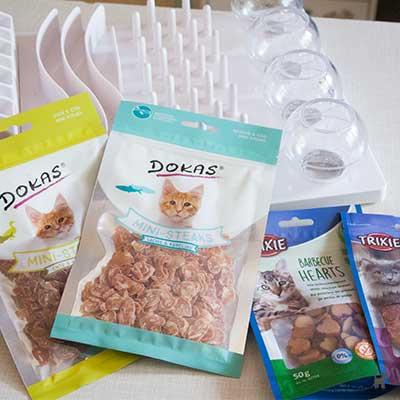 Meine Einkäufe: Fummelbrett und Katzenleckerchen