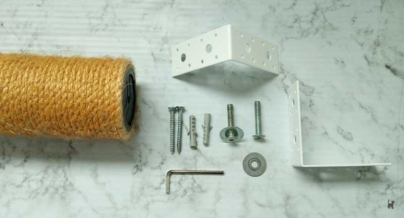 Benötigtes Zubehör: Kratzstamm, Schrauben, Unterlegscheiben, Winkelverbinder
