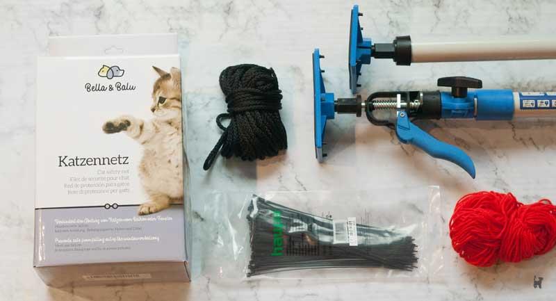 Zubehör zur Balkonabsicherung: Katzennetz, Deckenstützen, Kabelbinder